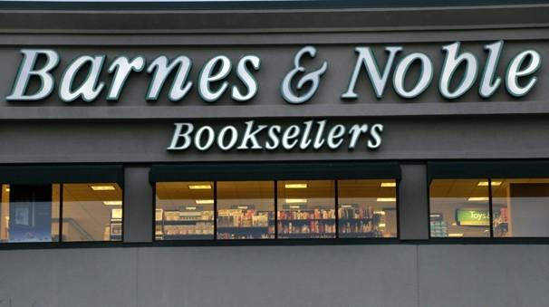 Earns-Barnes-Noble.JPEG-0a4b7